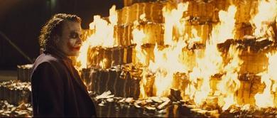 開眼電影網:Joker 劇照-火燒錢海